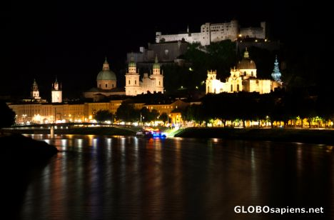 Salzburg (AT) - skyline by night