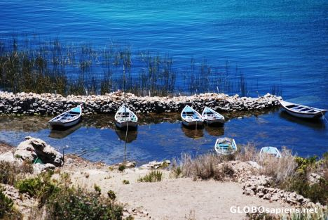 isla del sol fishing boats