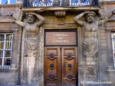 Aix en provence france aix en provence porte du - Tribunal de commerce salon de provence ...