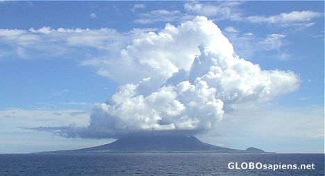 Stange cloud over St Kitts