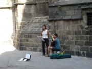 Musicians in Barrio Gotico, where is the cheap Youth Hostel in Calle Hospital