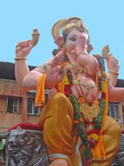 Ganesh the zoomorphic deity as big as a house ready to be baptized.