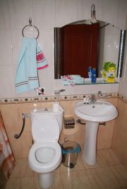 Bathroom in the room number 3 of the Alpo Hotel.