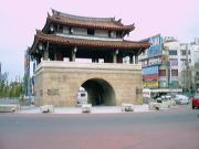 Tung Men gate
