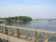 The steel bridge accros the White Nile to enter Juba