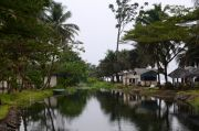 The river side of the Seme Beach Hotel