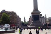 i didnt imagine the weather would be this nice! trafalgar square lets you get bearings
