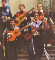 """Tuna"" musicians with their guitars and bandurrias ready to play"