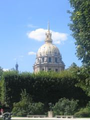 Les Invalides seen from the garden