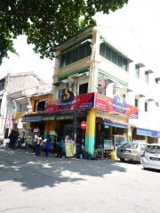 Ananda Bhagwan in Little India