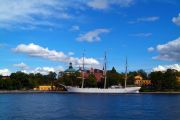 The Vandrarhem af Chapman tall ship moored at the western shore of the Skeppsholmen island.