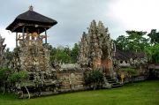 Picturesque Temple Southwest of Ubud's Sacred Monkey Forest